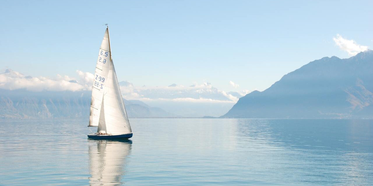Hire a boat in the UK and discover these top destinations
